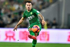 Tuyển Trung Quốc có cầu thủ nhập tịch đầu tiên trong lịch sử