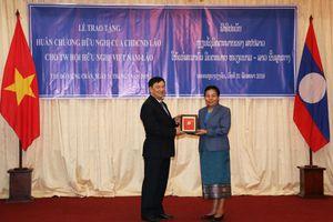 Hội hữu nghị Việt Nam - Lào đón nhận Huân chương Hữu nghị của Lào