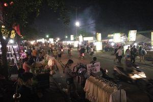Chợ đêm làng đại học: Miền ký ức khó quên của sinh viên