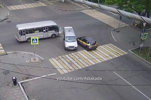 Không quan sát khi qua giao lộ, 3 ôtô 'kéo nhau' vào tai nạn