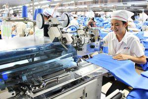 Slide - Điểm tin thị trường: Việt Nam có 5 nhóm hàng đạt giá trị xuất khẩu 'tỷ USD' trong tháng 5