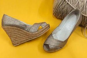 Những loại giày dép có thể gây ra tai nạn giao thông khi lái xe