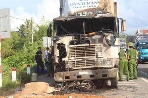 TNGT nghiêm trọng giữa 2 ô tô và 2 xe máy trên QL1, 1 người tử vong