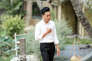 Thần tượng Bolero: Ngọc Sơn bật khóc khi học trò Quang Lê hát về mẹ