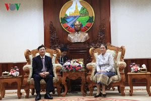 Chủ tịch Hội hữu nghị Việt – Lào chào xã giao Chủ tịch QH Lào
