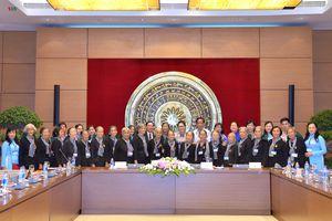 Chủ tịch Quốc hội gặp mặt đoàn đại biểu Đội quân tóc dài tỉnh Bến Tre