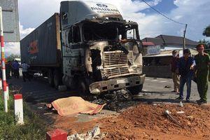 Xe container tông liên hoàn rồi bốc cháy, 3 người thương vong