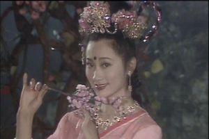 Hạnh Tiên múa hát mong Đường Tăng kết duyên cùng mình