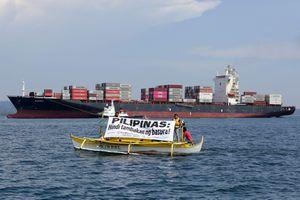Philippines bắt đầu chở rác về Canada