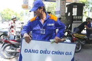 Tin tức kinh tế ngày 1/6: Xăng dầu đồng loạt giảm giá, Viettel khiến thế giới phải 'ngước nhìn'