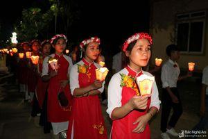Tưng bừng Lễ dâng hoa ở các giáo xứ