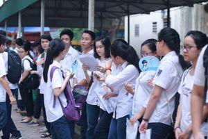 Gần 86.000 thí sinh căng thẳng chuẩn bị cho kỳ thi vào lớp 10 với 4 môn thi