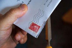 Một người đàn ông đối mặt với án tù vì mở trộm thư của con trai