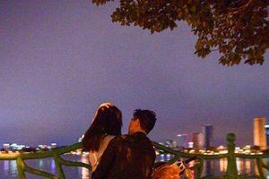 Cận cảnh con đường 'chống chỉ định' dành cho những người độc thân tại Hà Nội
