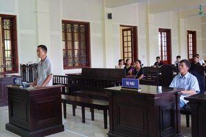 Nghệ An: 'Xới' lại vụ việc từ 7 năm trước, dượng rể cháu vợ lôi nhau ra tòa