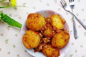 Cách làm khoai tây xóc muối ớt cay cay, ai ăn cũng mê đặc biệt là chị em phụ nữ