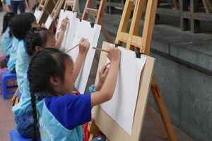 Hà Nội - Thành phố vì hòa bình qua nét vẽ của hơn 300 thiếu nhi