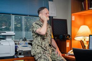 Sĩ quan Mỹ hạ căng thẳng với Triều Tiên trên điện thoại hồng