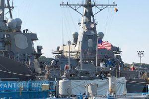 Đằng sau nỗ lực giấu tàu USS McCain khuất mắt ông Trump