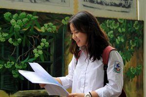 Tuyển sinh lớp 10 tại Hà Nội: Đề Văn dễ thở, thí sinh tự tin được 7-8 điểm