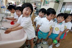 UNICEF kêu gọi tạo điều kiện để cha mẹ mang lại sự khởi đầu tốt nhất cho con