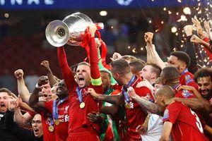 Cánh tay Sissoko, 'cái đầu' Klopp và đỉnh cao thứ 6 cho Liverpool