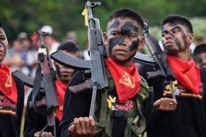 Xe chở công dân Việt Nam bị trúng mìn tại Philippines