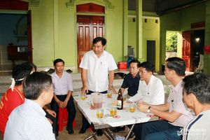 Lãnh đạo Sở Giáo dục và Đào tạo Nghệ An thăm hỏi 5 gia đình học sinh bị đuối nước
