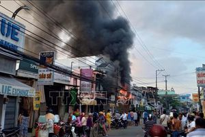 Cháy lớn tại cửa hàng điện tử, thiệt hại ước tính hơn 1 tỷ đồng