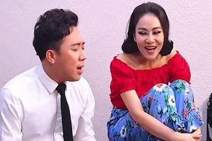 Cùng là chị em thân thiết, khi Thu Minh gây tranh cãi vì Diva, Tùng Dương phát ngôn sốc còn Trấn Thành lại được ca ngợi vì điều này
