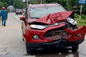 Ô tô chở Phó trưởng công an huyện tông 3 người đi xe máy tử vong