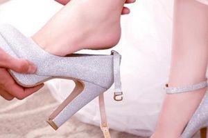 4 cách chọn giày cưới lung linh, cô dâu có đi cả ngày cũng không đau chân