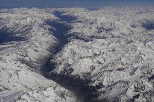 8 người leo núi mất tích bí ẩn trên dãy Himalaya