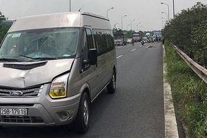 Người đàn ông nhặt ve chai bị xe khách đâm tử vong