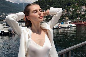 Nàng mẫu Nga nóng bỏng, nhan sắc được ví với Angelina Jolie