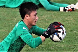 Bùi Tiến Dũng nỗ lực tập luyện trong màu áo U23 Việt Nam