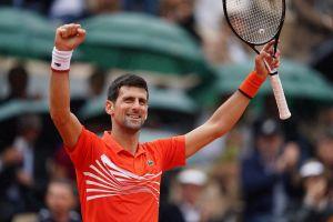 Djokovic lập chiến tích khi vào tứ kết Pháp mở rộng