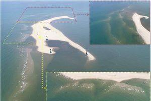 Về cồn cát xuất hiện ở biển Cửa Đại (Quảng Nam): Nhìn từ flycam, cồn cát đang tiếp tục bồi, nổi lên giữa biển