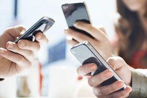 Tác hại khi 'dán mắt' vào điện thoại mỗi ngày