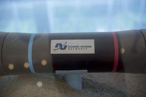 Huawei dự định bán mảng kinh doanh cáp quang biển