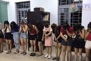 Nhóm thanh thiếu niên tổ chức 'tiệc ma túy' trong quán karaoke