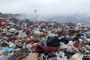 Quỳnh Lưu 'ngộp thở' vì rác thải sinh hoạt 'xả' bừa bãi