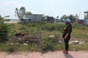 Một hộ dân mong sớm được giao nền nhà tái định cư