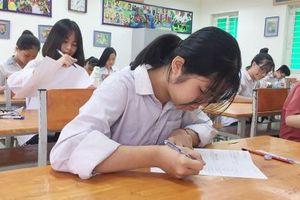 Chiều nay (3/6), thí sinh Hà Nội tiếp tục 'chạy đua' vào trường chuyên