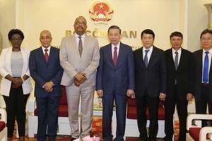 Bộ Công an Việt Nam luôn coi trọng hợp tác phát triển với Angola
