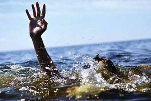 Hai thanh niên chết đuối khi tắm biển