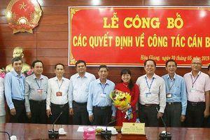 Vận động Phó Giám đốc Sở Tư pháp Hậu Giang nhận quyết định điều động
