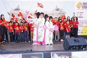 'Ahoj Ha Noi:' Lễ hội văn hóa gắn kết cộng đồng Việt-Séc