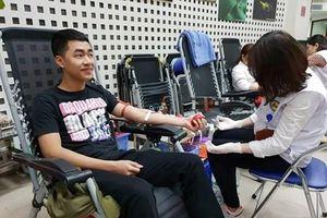 Tôn vinh 100 người người hiến máu tiêu biểu trên toàn quốc