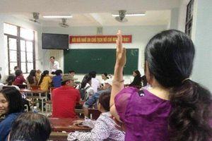 Nguyên nhân khiến 24 học sinh phải làm lại bài thi Ngữ Văn khi thời gian qua một nửa
